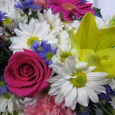 Fresh_Cut_Flowers_Garden_Mix_Lougheed_Flowers_Florist_Sudbury