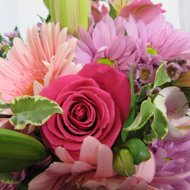 Fresh_Cut_Flowers_Pink_To-The_Max_Lougheed_Flowers_Florist_Sudbury