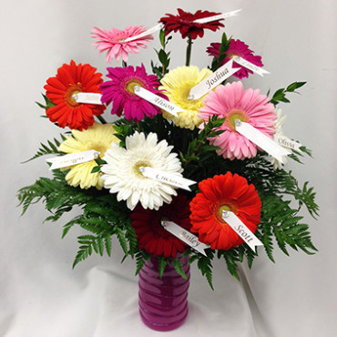 Funeral_Flowers_Grandchildren_Tribute_Vase_of_Daisies_Lougheed_Flowers_Florist_Sudbury