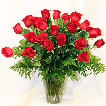 Roses_Vase_24_Lougheed_Flowers_Florist_Sudbury