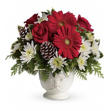 Telefloras-Simply-Merry-Centerpiece