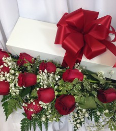 Lougheed Flowers Premium Roses * Red