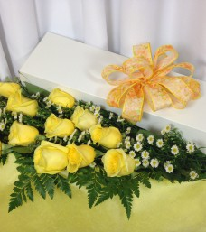 Lougheed Flowers Premium Rose Box * Yellow