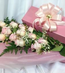 Lougheed Flowers Premium Dozen Roses Boxed * Pink